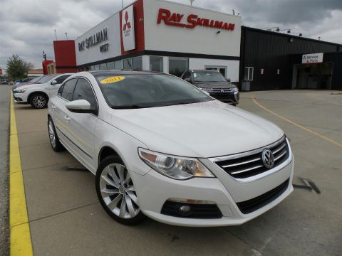 Pre-Owned 2011 Volkswagen CC LUX PLUS