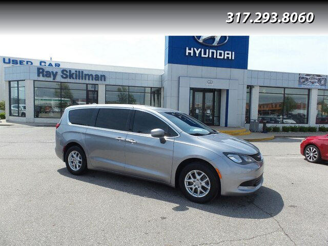 Pre-Owned 2017 Chrysler Pacifica TOURING NAV