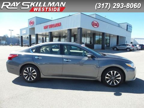Pre-Owned 2016 Nissan Altima MOONROOF